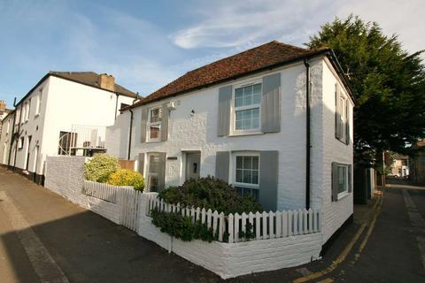 2 bedroom detached house for sale - Hope Road, Deal