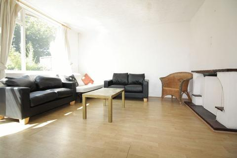 3 bedroom maisonette to rent - Bethnal Green E2