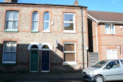 2 bedroom end of terrace house to rent - Tatton Road, Sale