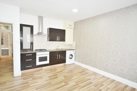 3 bedroom apartment to rent - Evering Road, London N16