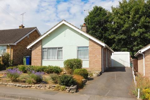 2 bedroom detached bungalow for sale - Crispin Road, Winchcombe