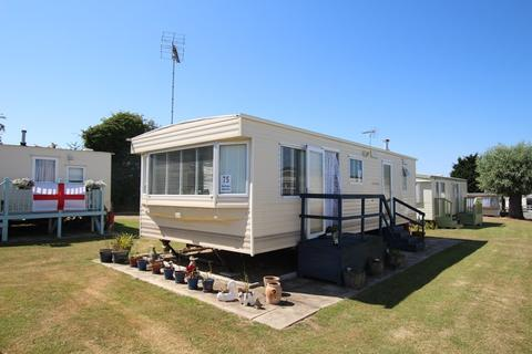2 bedroom mobile home for sale - High Tree Lane, Walton On The Naze