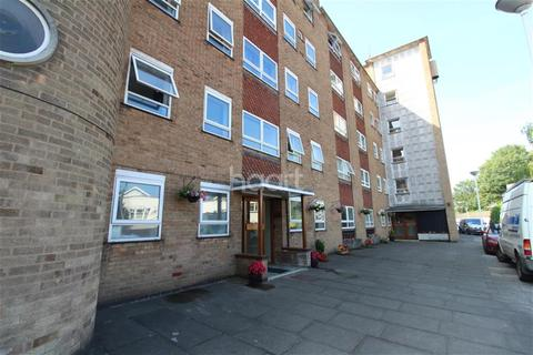 3 bedroom flat to rent - London Road