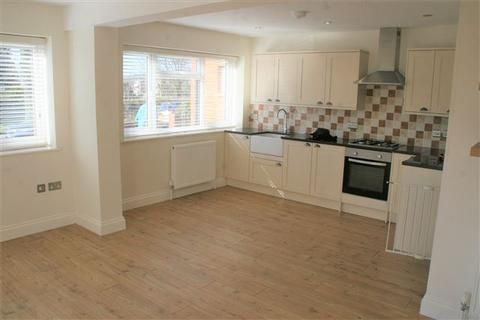 2 bedroom flat to rent - Whitethorn Drive, Brighton
