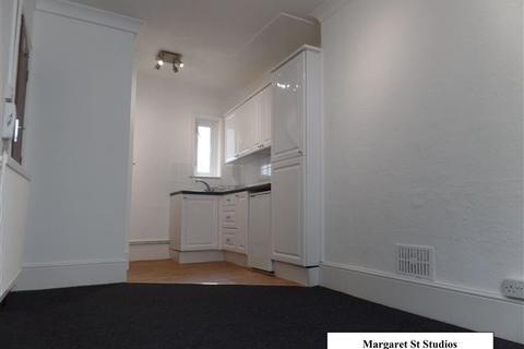 Studio to rent - Margaret St, Kemp Town, Brighton