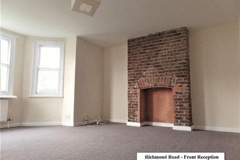 2 bedroom flat to rent - Richmond Road, Brighton.