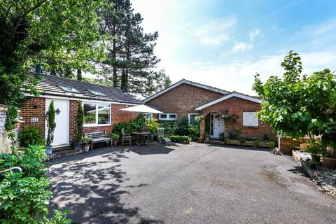 4 bedroom bungalow for sale - Larkfield Way Brighton East Sussex BN1