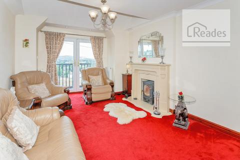 4 bedroom detached house for sale - , Rhes-y-Cae CH8 8