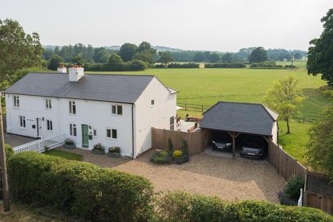3 bedroom cottage for sale - Knoxbridge Cottages, Cranbrook Road, Frittenden, TN17
