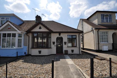 2 bedroom semi-detached bungalow for sale - Percival Road, Hornchurch, Essex, RM11