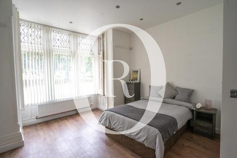Studio to rent - Silver Studio - London Road, Opposite Victoria Park
