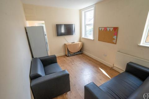 6 bedroom terraced house to rent - 6 Bed Student House, Tennyson Street