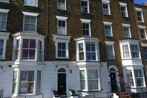 1 bedroom flat to rent - Margate