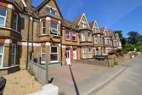 5 bedroom terraced house to rent - Margate