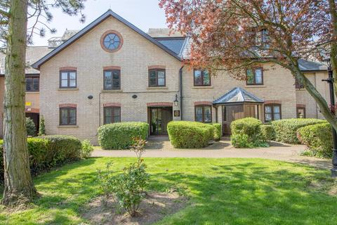 Studio for sale - River Meads, Stanstead Abbotts