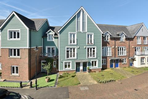 4 bedroom terraced house for sale - The Lakes, Larkfield