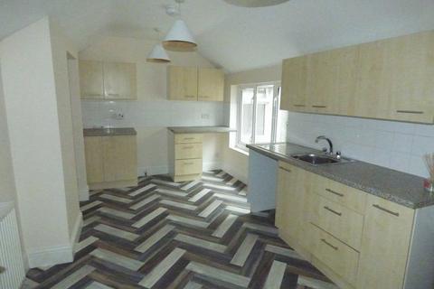 3 bedroom apartment to rent - Commercial Street, Tredegar, NP22 3DJ
