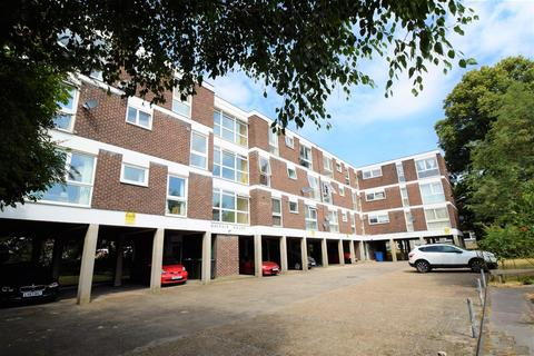 2 bedroom flat for sale - Mayfair Close, Beckenham
