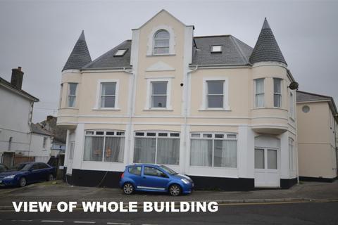 2 bedroom flat to rent - Basset Street, Camborne