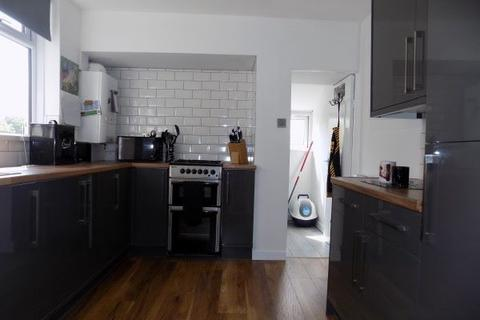 3 bedroom terraced house to rent - Lower Royal Lane, Abertillery. NP13 1NJ
