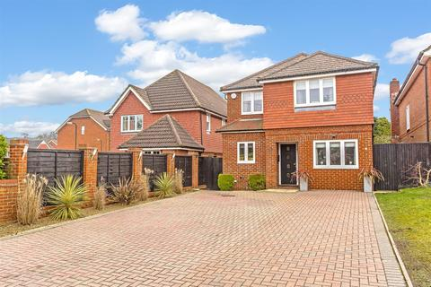 4 bedroom detached house for sale - Buckland Road, Lower Kingswood, Tadworth
