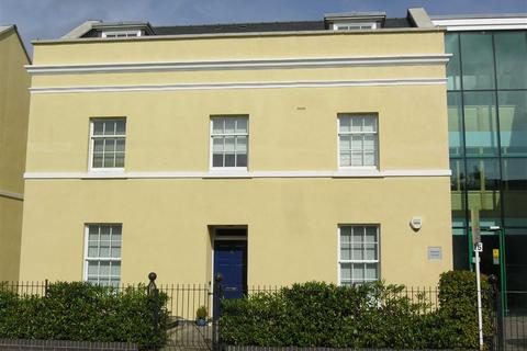 2 bedroom flat to rent - Tryes Road, Leckhampton, Cheltenham