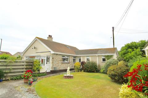 4 bedroom detached bungalow for sale - Cross Common, The Lizard