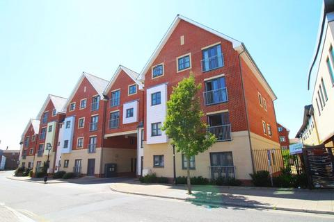 2 bedroom flat to rent - St. James's Street, Portsmouth