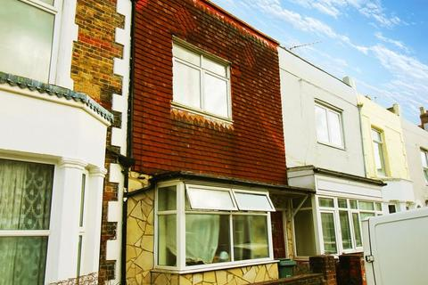 5 bedroom terraced house to rent - Britannia Road, Southsea