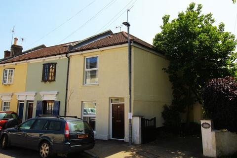 3 bedroom house to rent - St. Vincent Road, Southsea