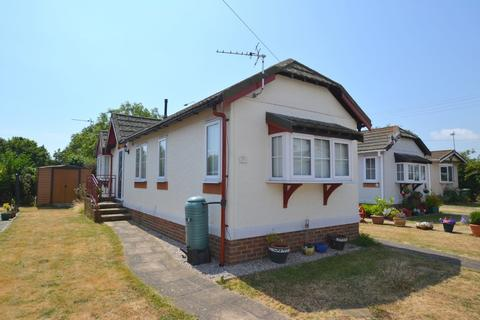 2 bedroom mobile home for sale - Burmarsh Road, Hythe, Kent