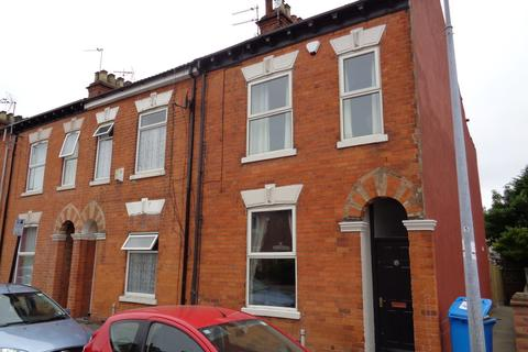 2 bedroom end of terrace house to rent - 15 Middleton Street
