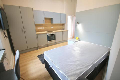 Studio to rent - Guildhall Walk, Portsmouth