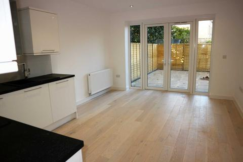 2 bedroom apartment to rent - Whitstable Road, Canterbury