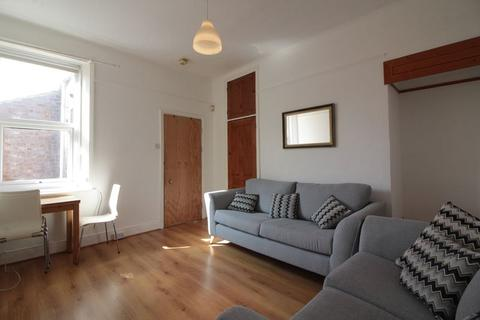 3 bedroom flat to rent - Tavistock Road, Newcastle Upon Tyne