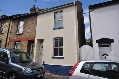 3 bedroom terraced house to rent - Charter Street Chatham ME4