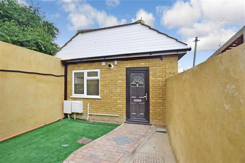 1 bedroom bungalow for sale - Coombe Valley Road, Dover, Kent
