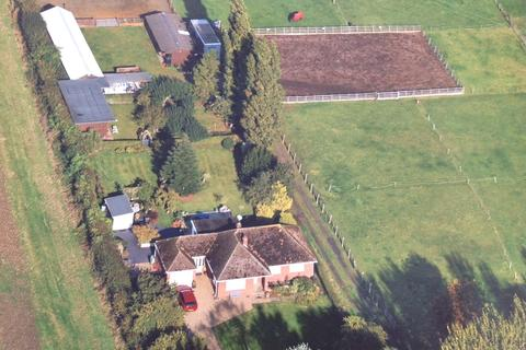 4 bedroom detached bungalow for sale - Newark Hill, Foston, Grantham, NG32