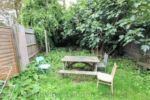 4 bedroom flat to rent - Brownswood Road, Finsbury Park, N4
