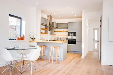 Bed Houses For Sale In Bounds Green