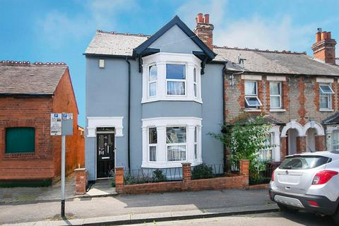 3 bedroom end of terrace house for sale - Surrey Road, Reading