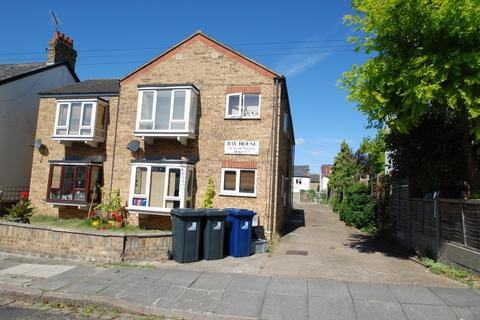 Studio to rent - Bay House, St Dunstans Road, Hanwell, W7
