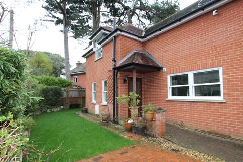 3 bedroom detached house for sale - West Overcliff Drive, West Cliff, Bournemouth, BH4