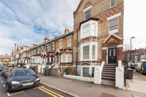 2 bedroom flat to rent - Elm Park, Brixton