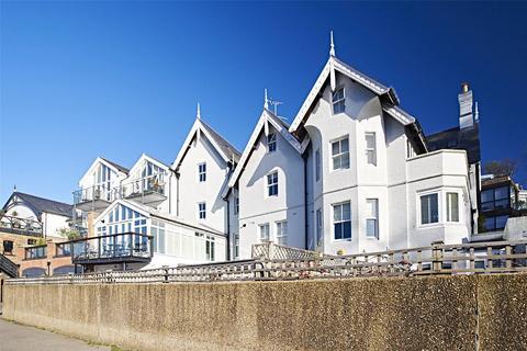 3 bedroom apartment to rent - Petersham Road, Richmond, Surrey, TW10