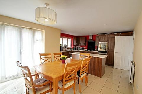 6 bedroom detached house for sale - Fortuna Drive, Cardea, PE2 8GG
