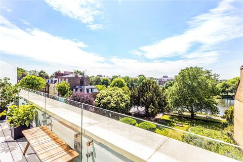 2 bedroom penthouse for sale - Richmond Brewery Stores, Petersham Road, Richmond, Surrey, TW10