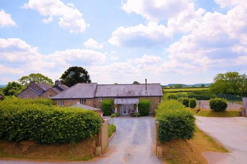 4 bedroom barn conversion for sale - 2.5 acres pasture!