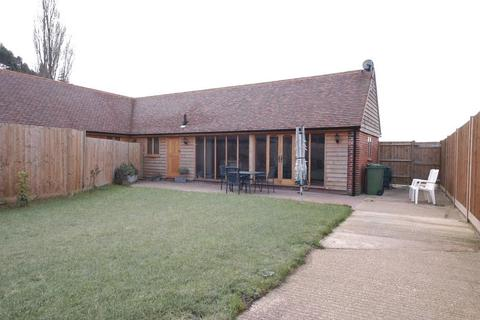 2 bedroom barn conversion to rent - The Street, Boxley