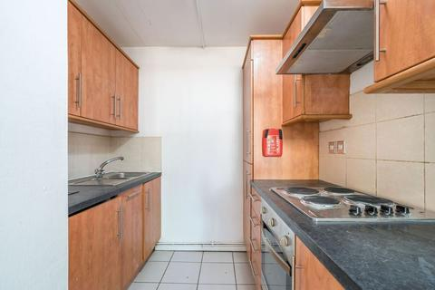 2 bedroom apartment to rent - Two Bedroom Flat In Stoke Newington